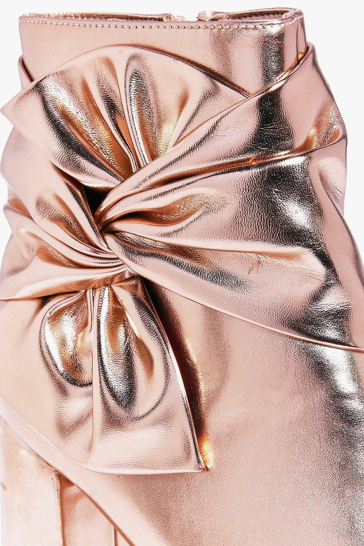 Boohoo Nina Wrap Side Block Heel Boot in Rose Gold (Pink)