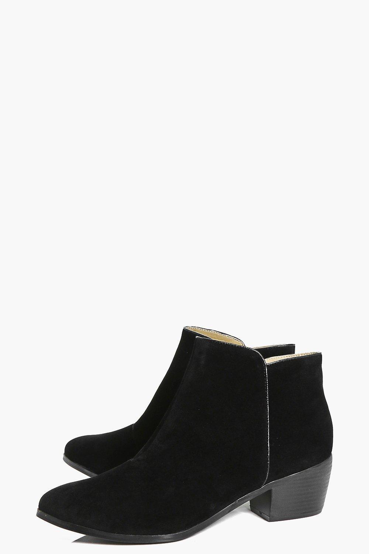 Boohoo Laura Low Ankle Western Boot in Black