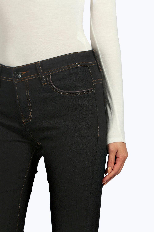 Boohoo Denim Jess Mid Rise Skinny Jeans in Black