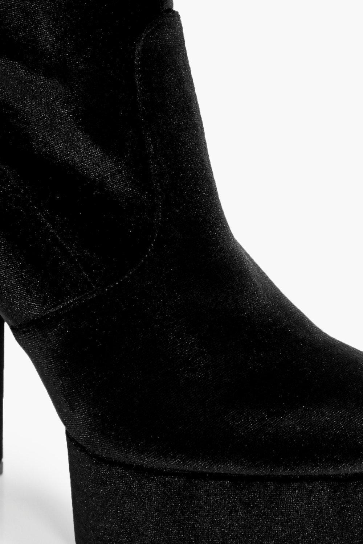 Boohoo Evie Velvet Stretch Platform Over The Knee Boot in Black