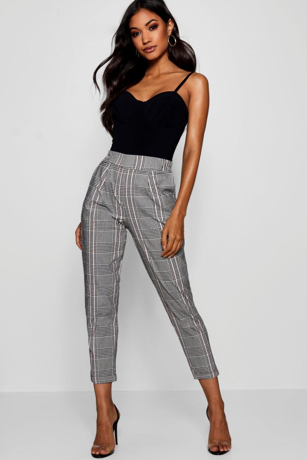 1ea07209d0b3 Boohoo. Women's Gray Prince Of Wales Check Tapered Trousers