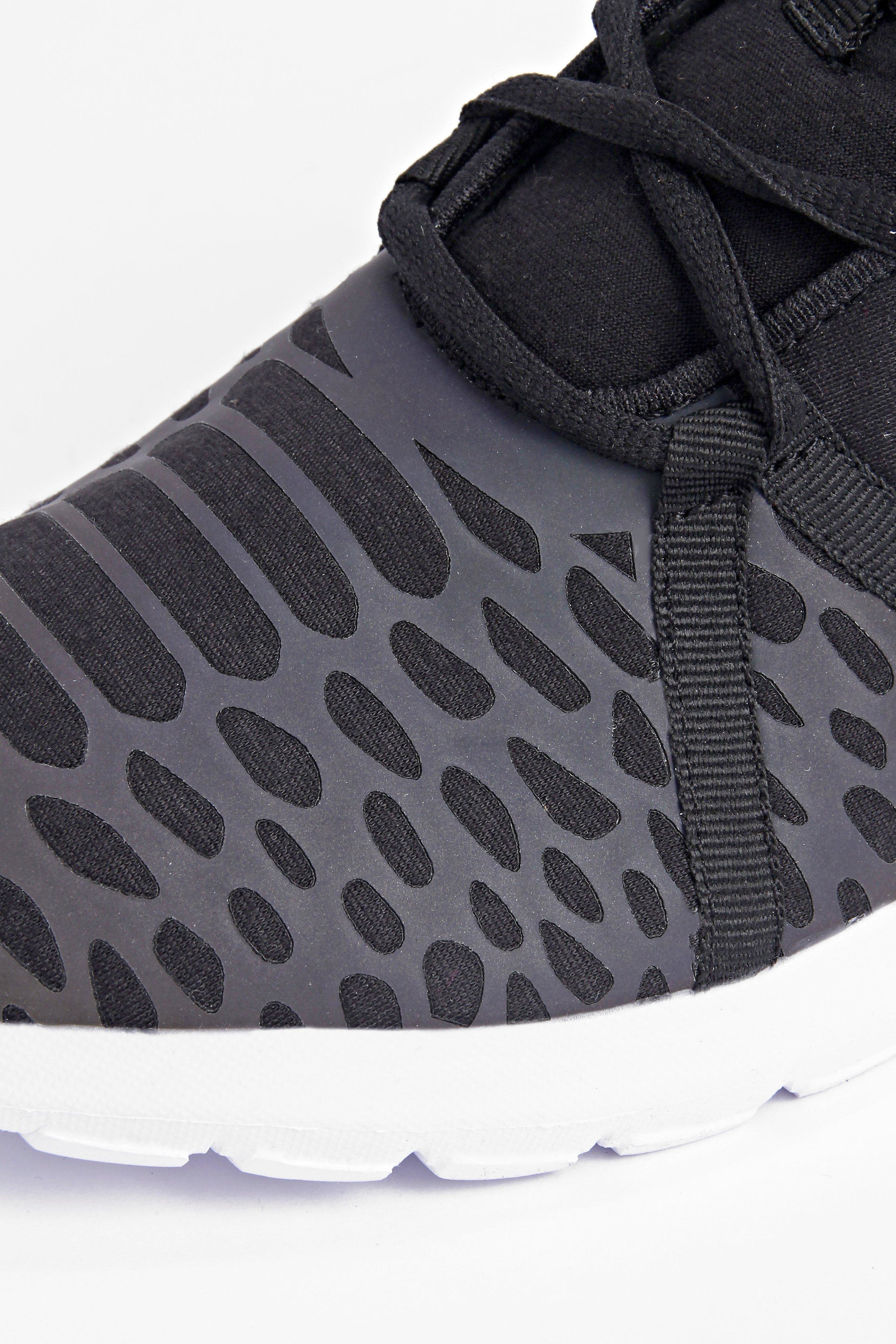 Boohoo Denim Running Trainers With Patterned Front in Black