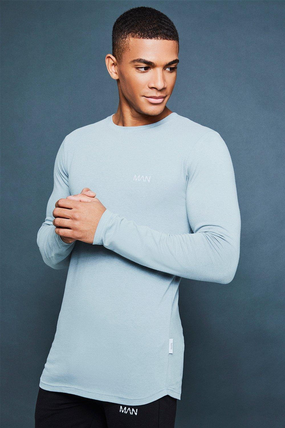 b37186eb1 BoohooMAN. Men's Blue Muscle Fit Long Sleeve Tee With Reflective Detail