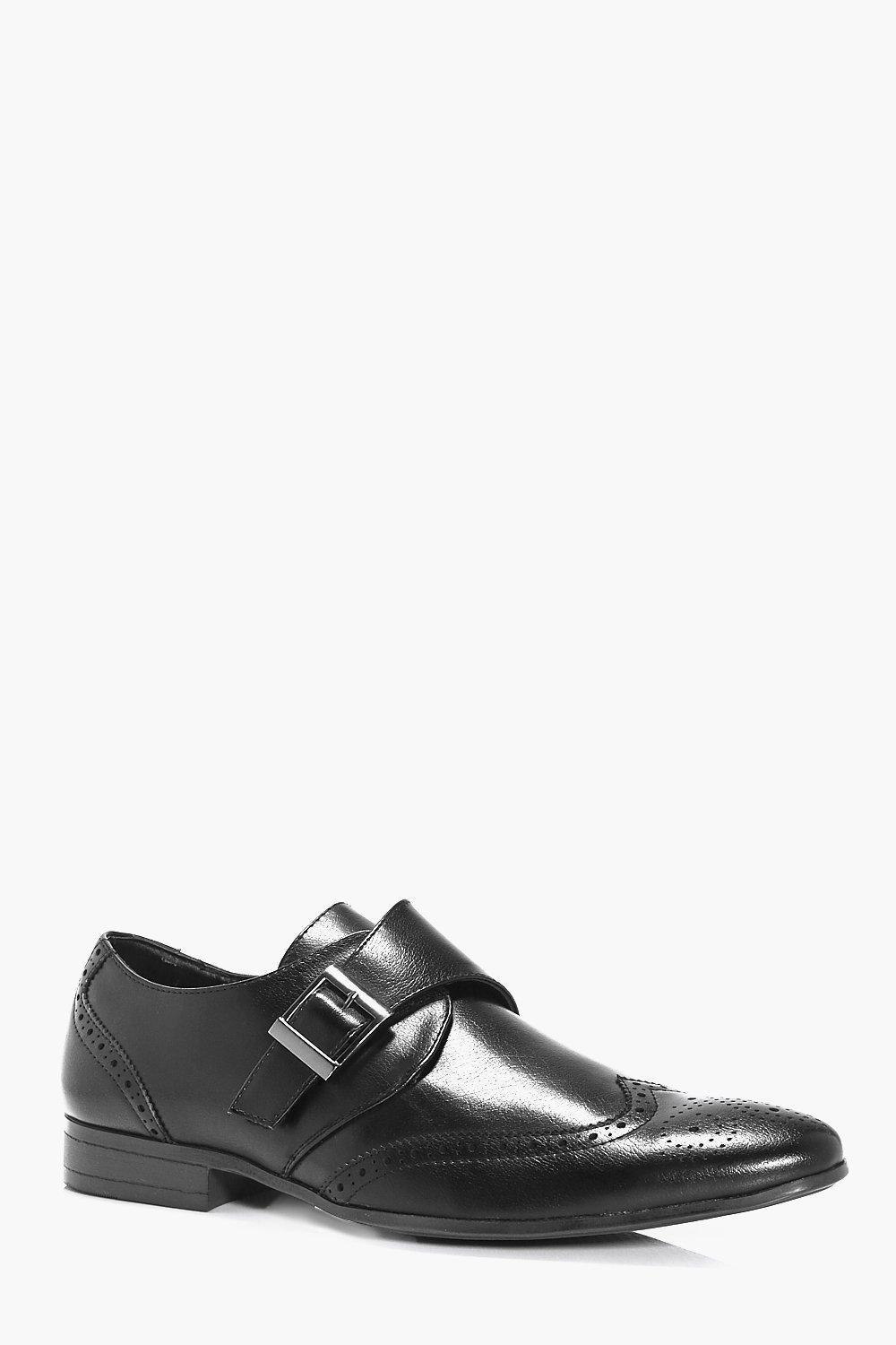 single men in brogue Learn all about oxford shoes, including the definition,  in our brogues shoe guide for men,  this type has an upper that is cut from one single piece of leather.