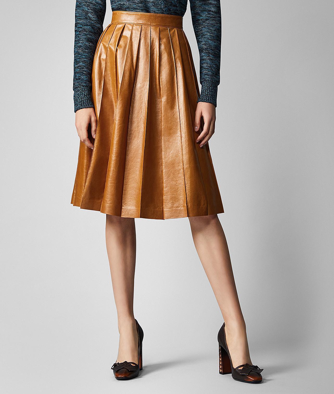 f86a868eb Bottega Veneta Shiny Pleated Leather Skirt in Orange - Save 7% - Lyst