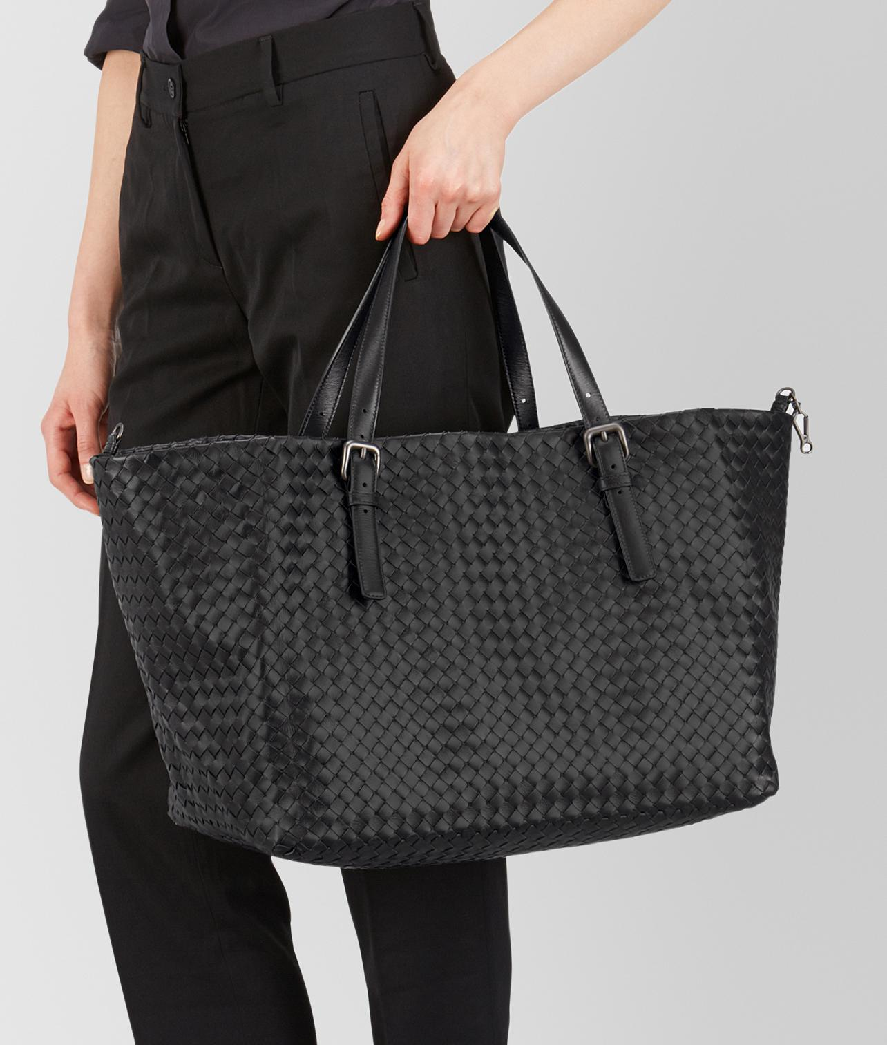 861bcd290713 Lyst - Bottega Veneta Nero Intrecciato Nappa Large Cesta Bag in Black