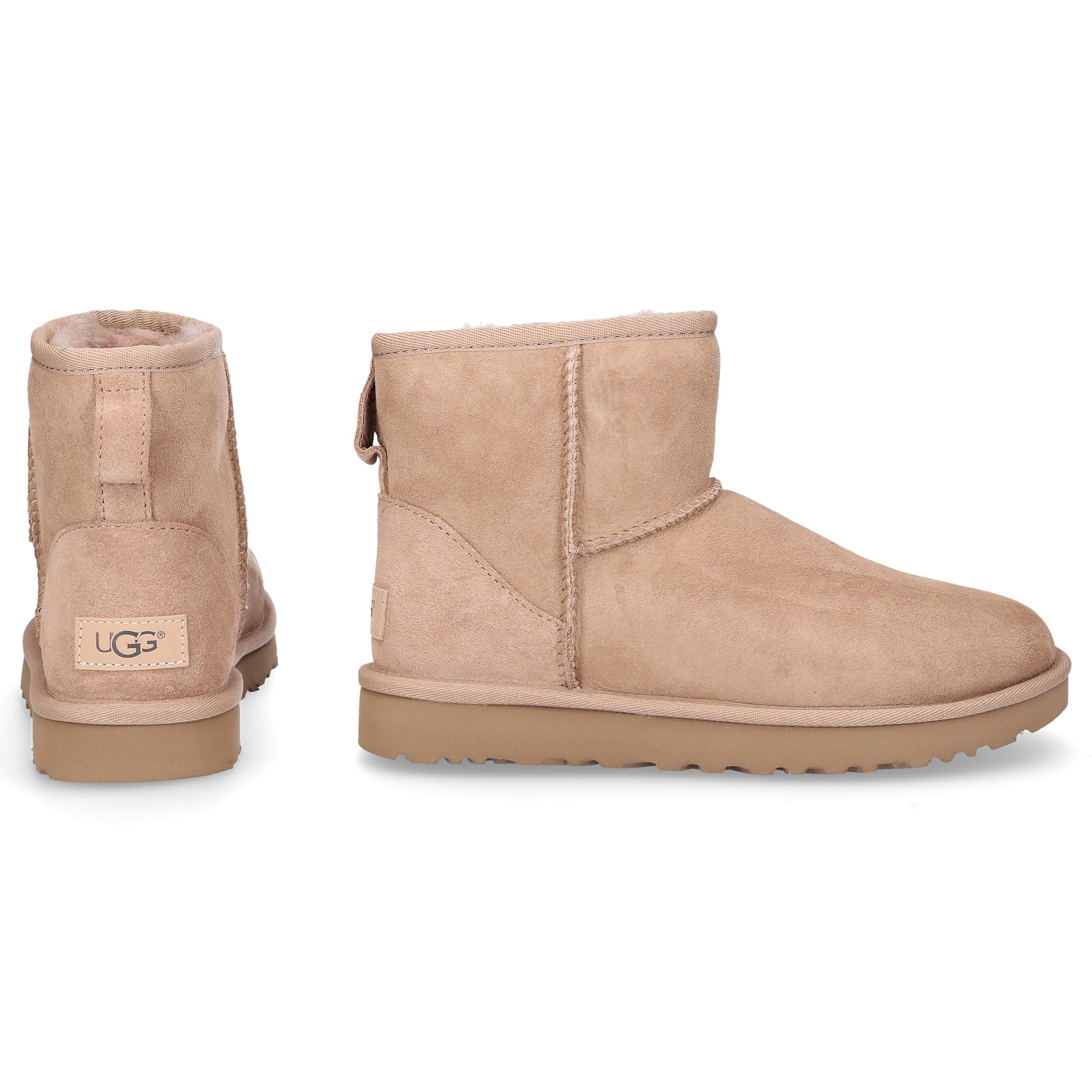 33a73e5fa02 Lyst - UGG Ankle Boots Beige Classic Mini Ii in Natural