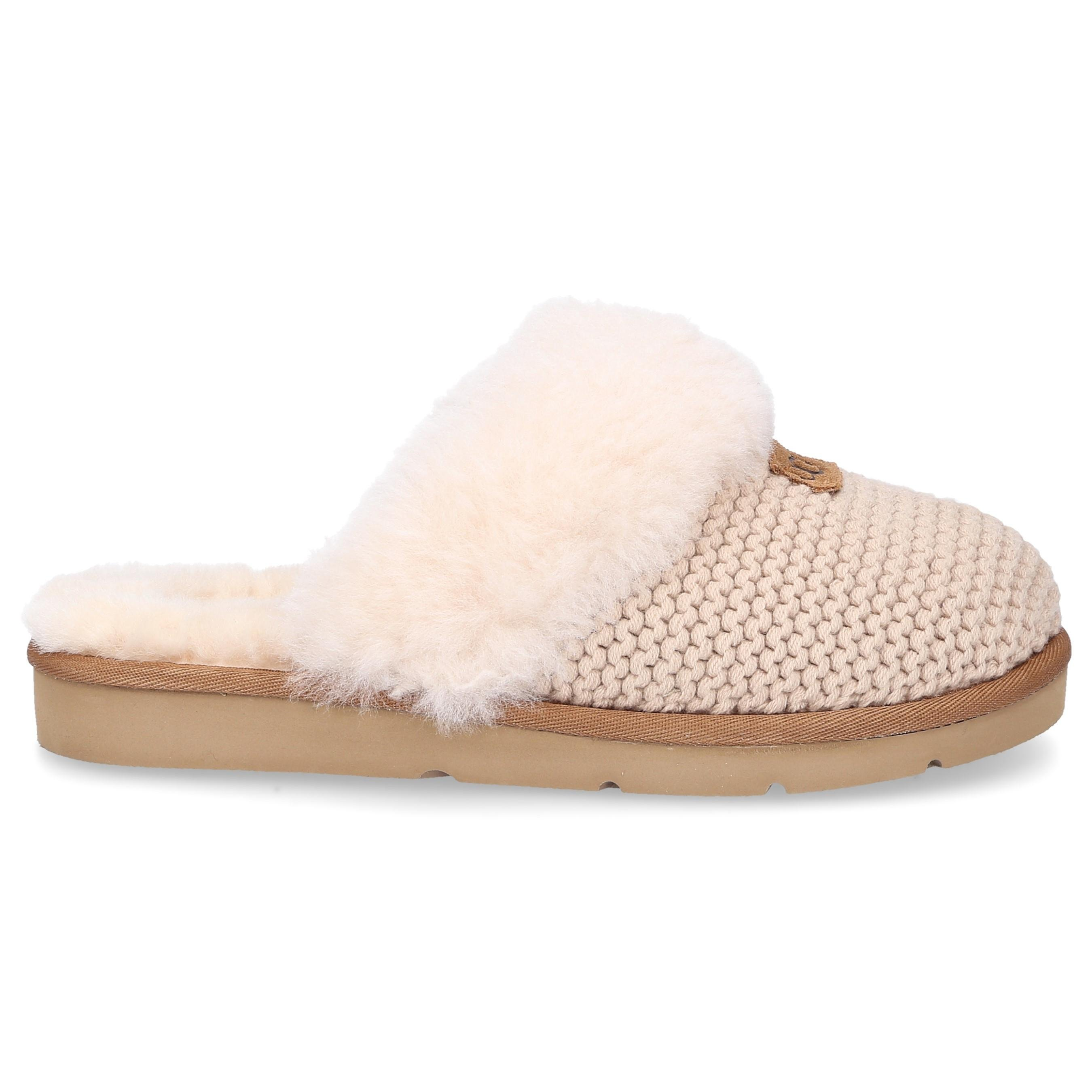 pale pink ugg slippers