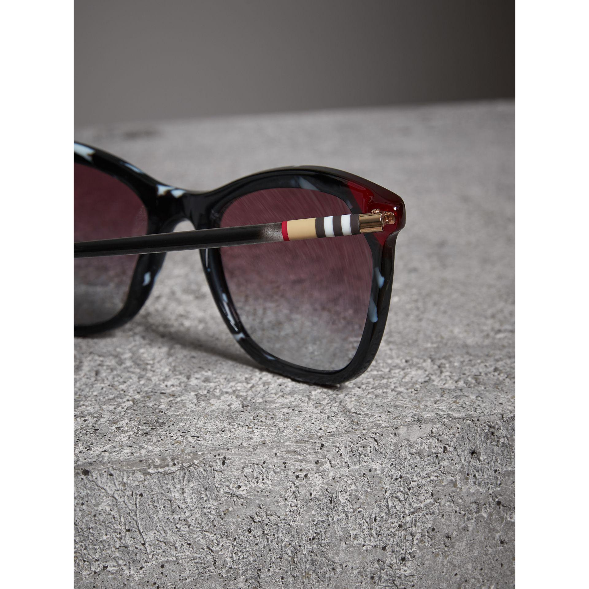 190b46a67a Lyst - Burberry Marble-effect Square Frame Sunglasses in Brown