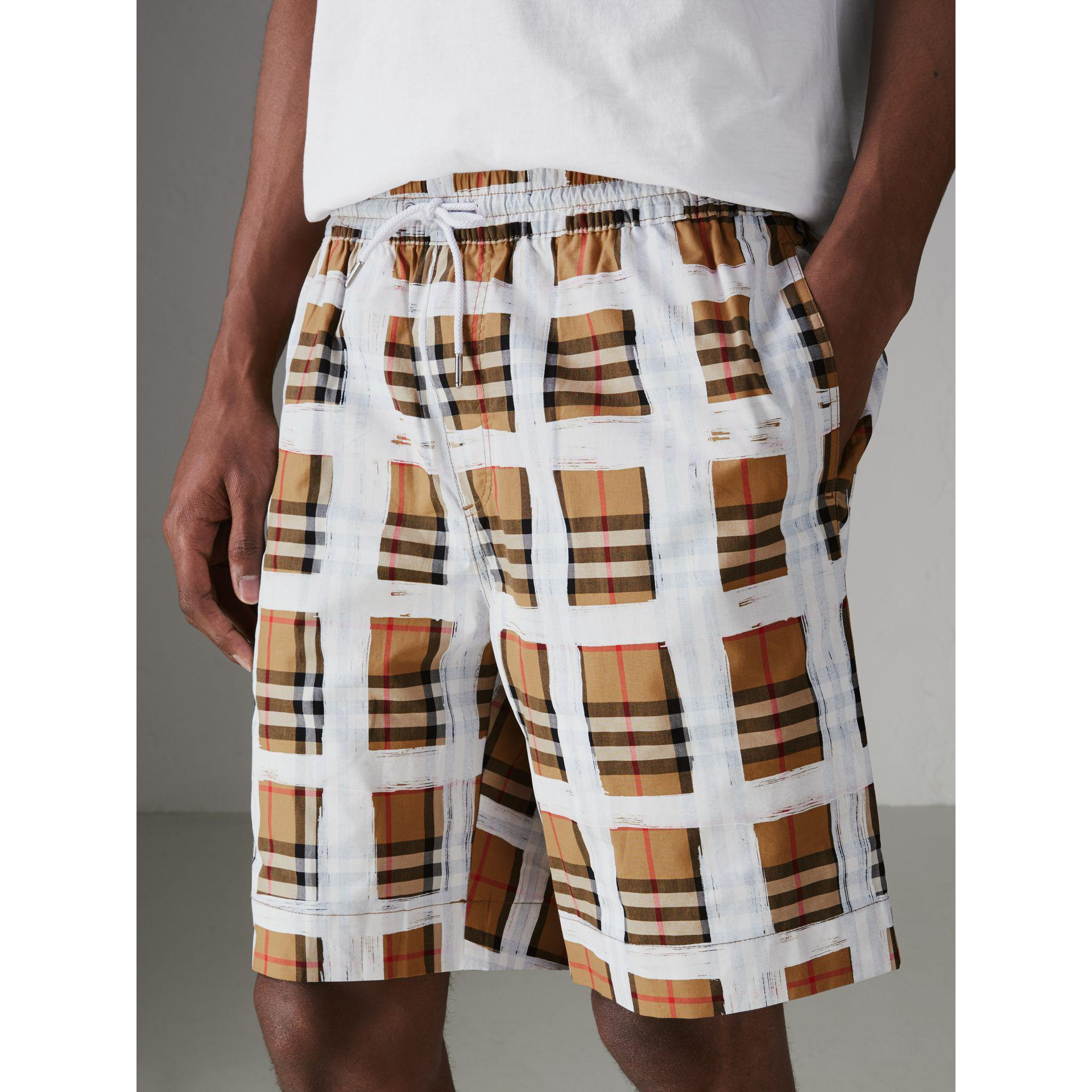 918c02e2775f Burberry Painted Vintage Check Cotton Drawcord Shorts for Men - Lyst