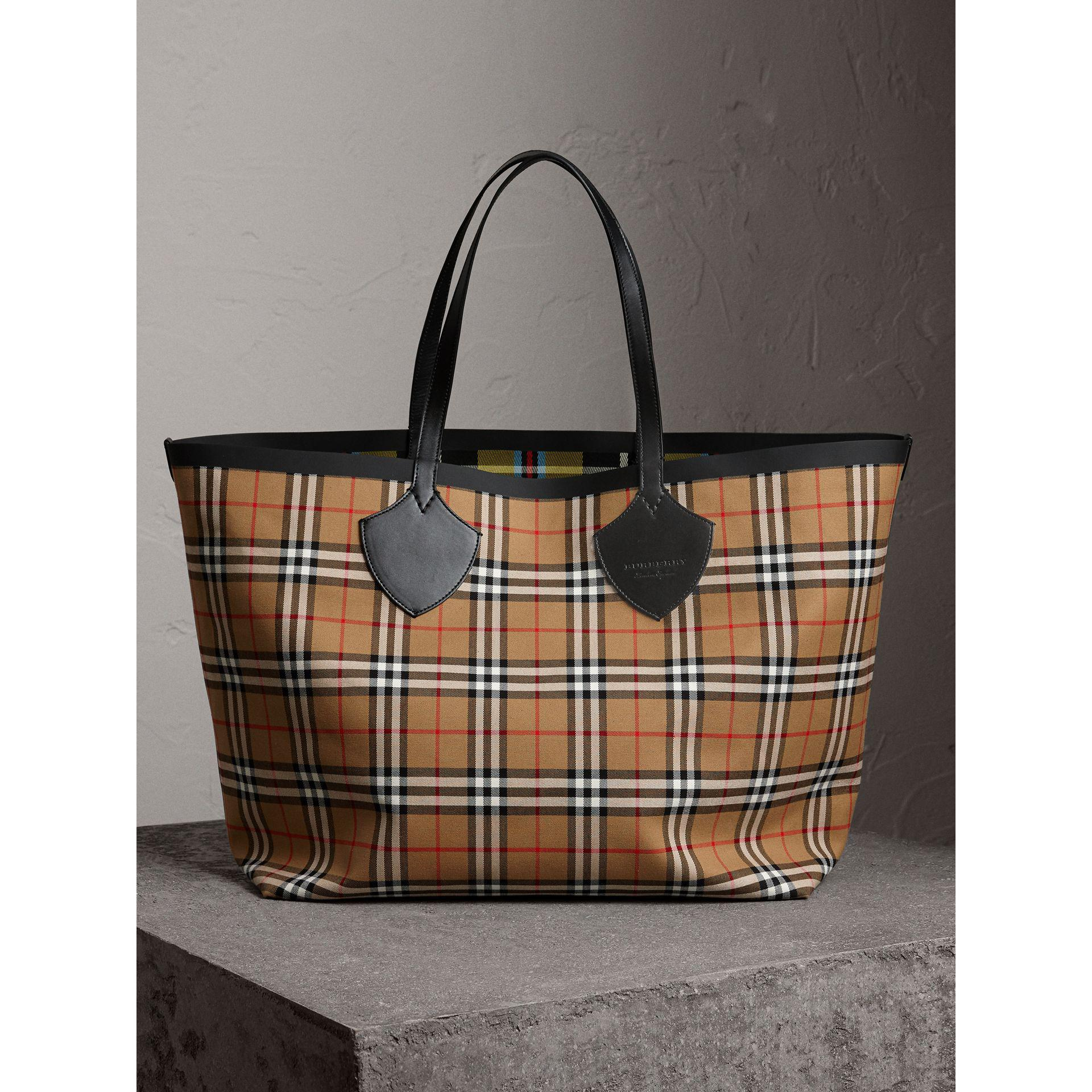 The Small Banner in Vintage Check and Leather - Yellow & Orange Burberry DzBiDVB9xv