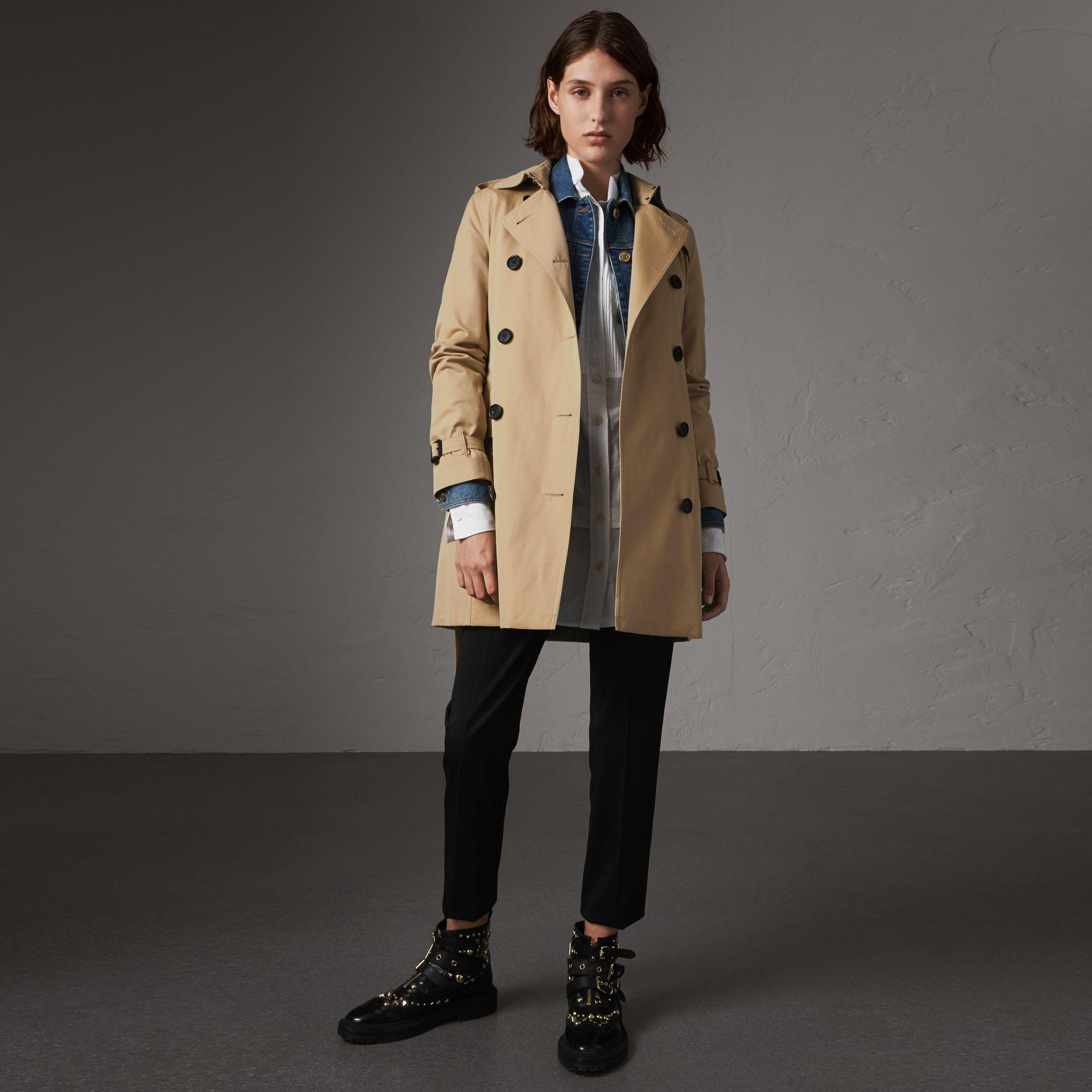 5c1a025dc Burberry Cotton The Kensington – Mid-length Heritage Trench Coat ...