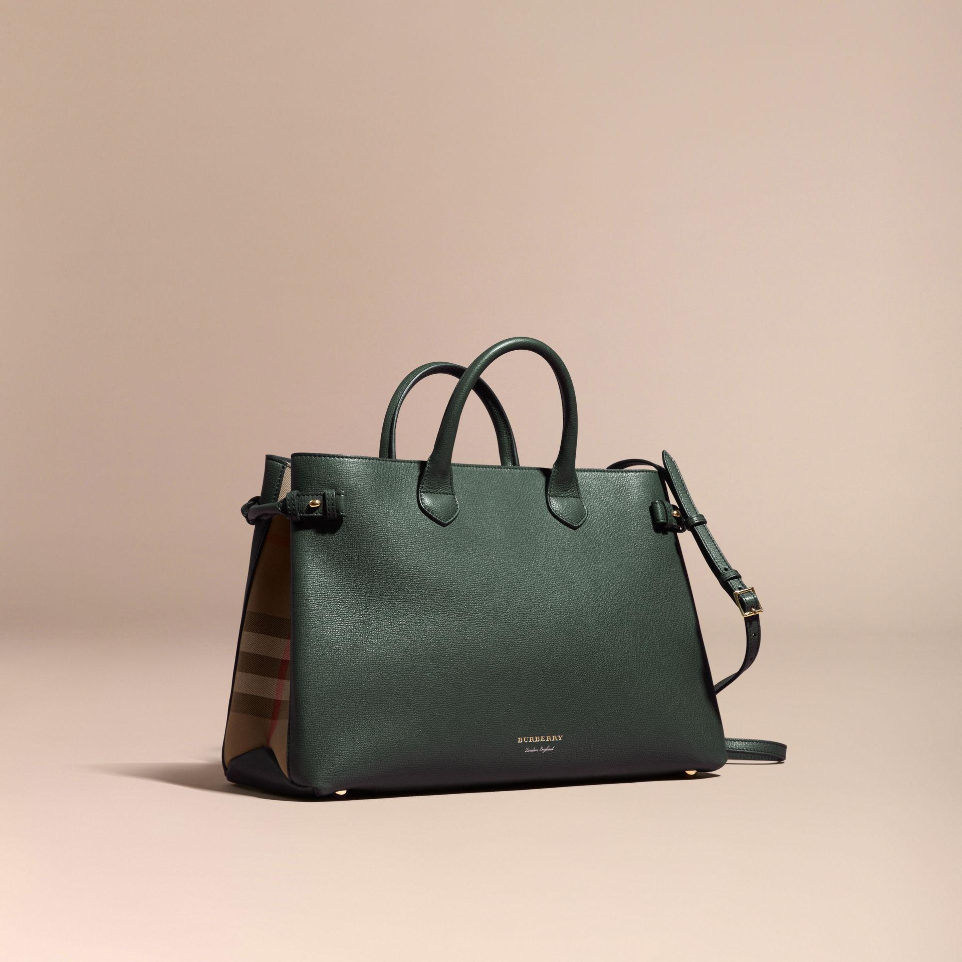 6e5ab845425c Burberry - The Large Banner In Leather And House Check Dark Bottle Green -  Lyst