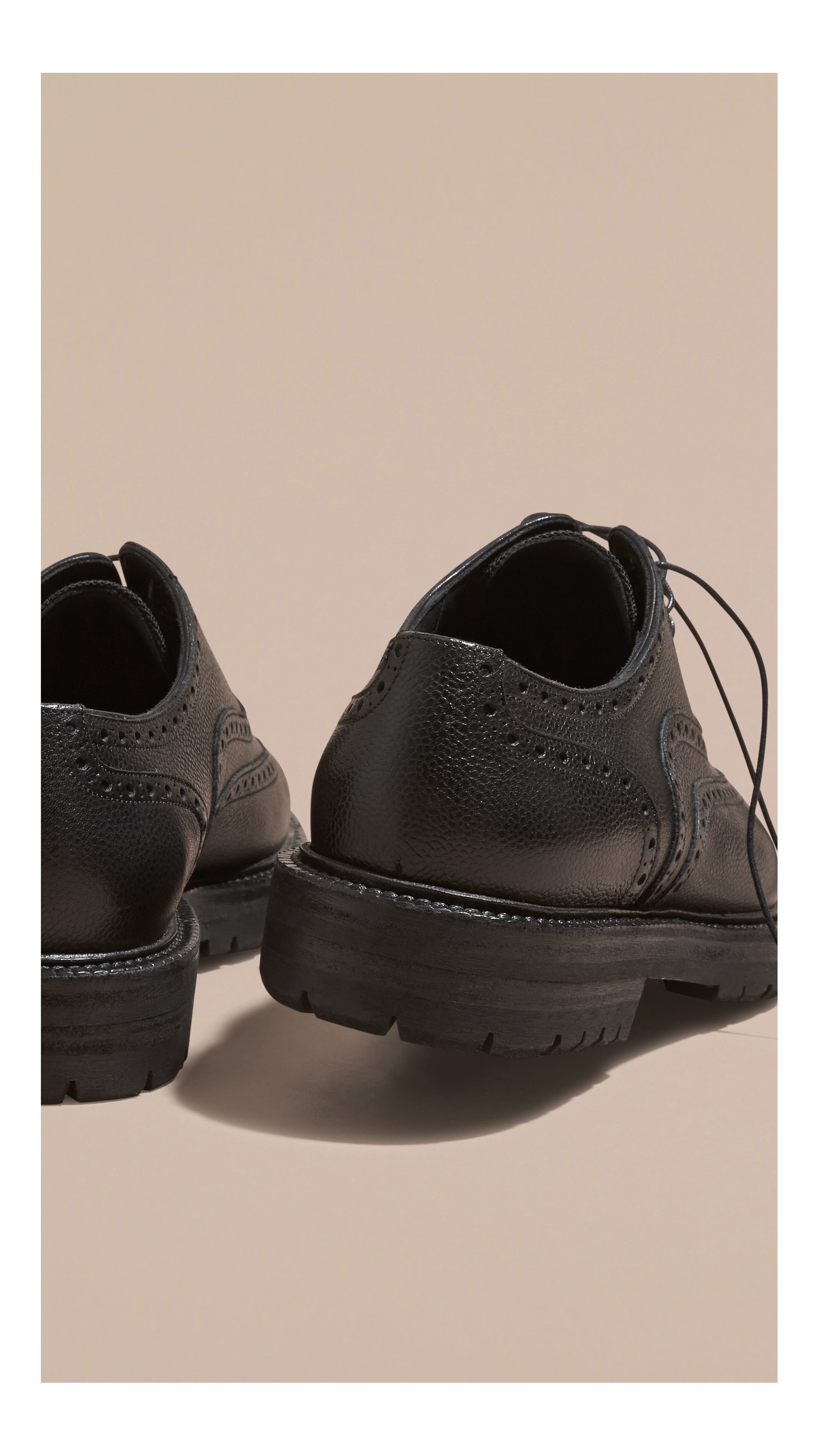 Burberry Grainy Leather Wingtip Brogue With Rubber Sole