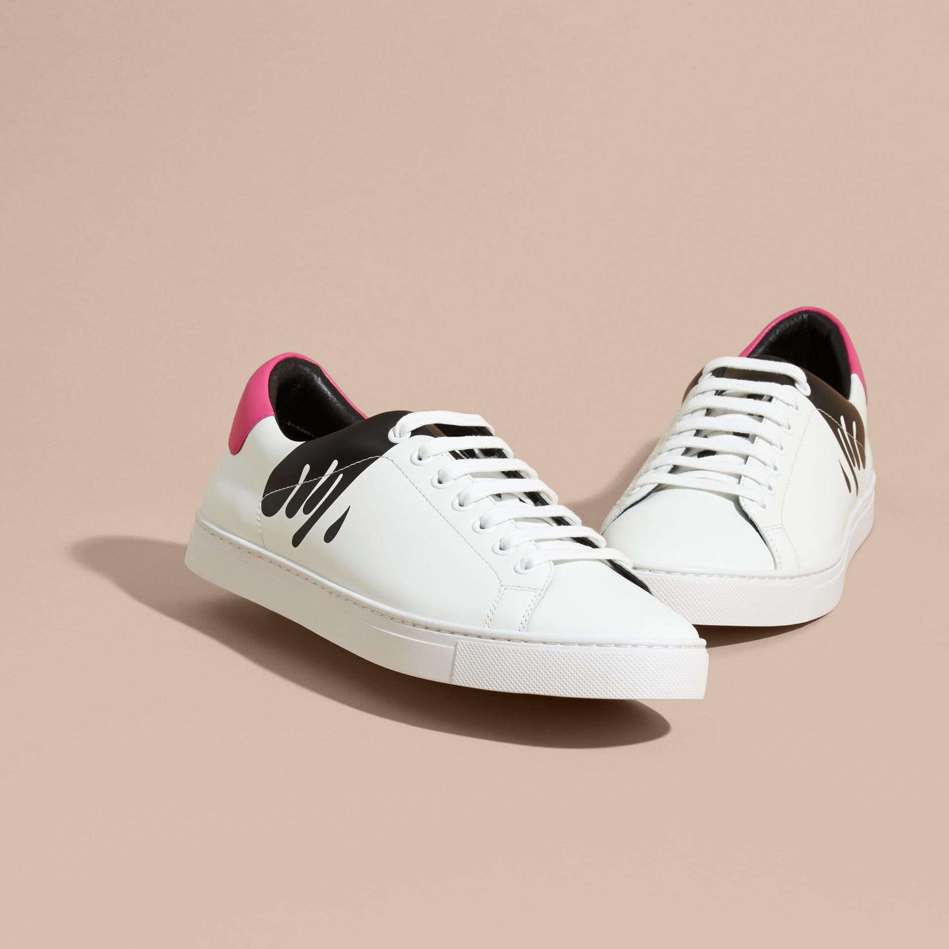 Burberry Splash Motif Leather Trainers Optic White/black