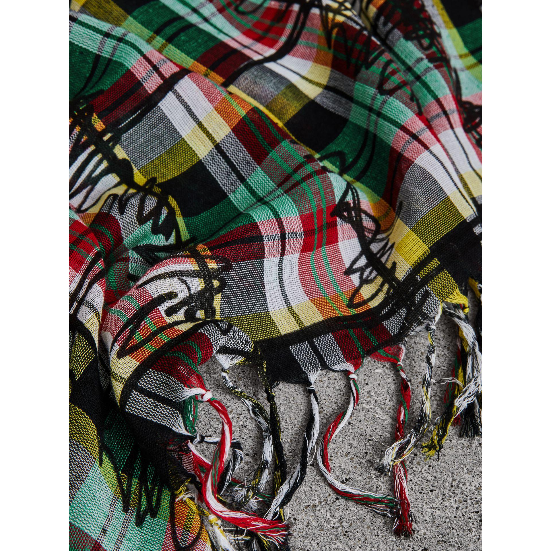 The Burberry Bandana in Scribble Check Cotton Silk - Green Burberry F4OJfUODpg