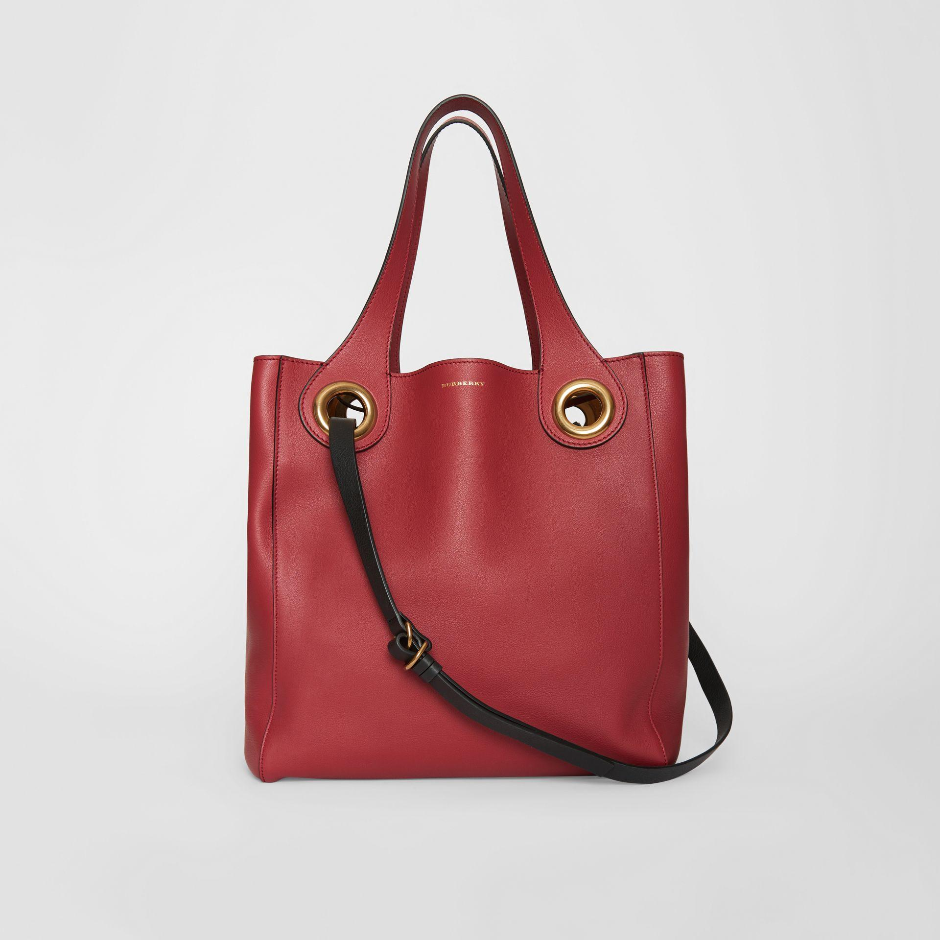 5458e4eaa9bf Lyst - Burberry The Medium Leather Grommet Detail Tote in Red