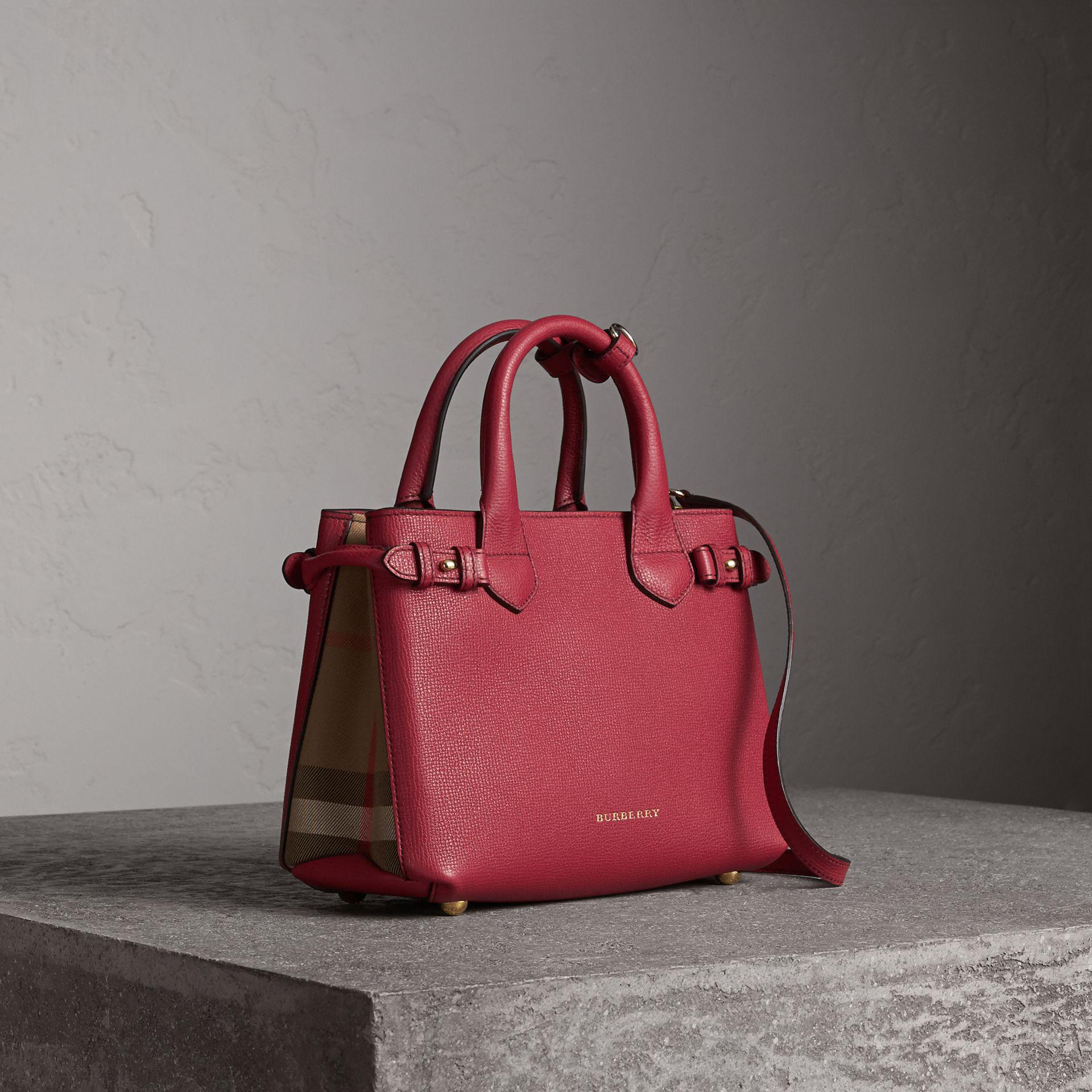 7f50e6ec6ac0 Burberry The Small Banner In Leather And House Check Russet Red - Lyst