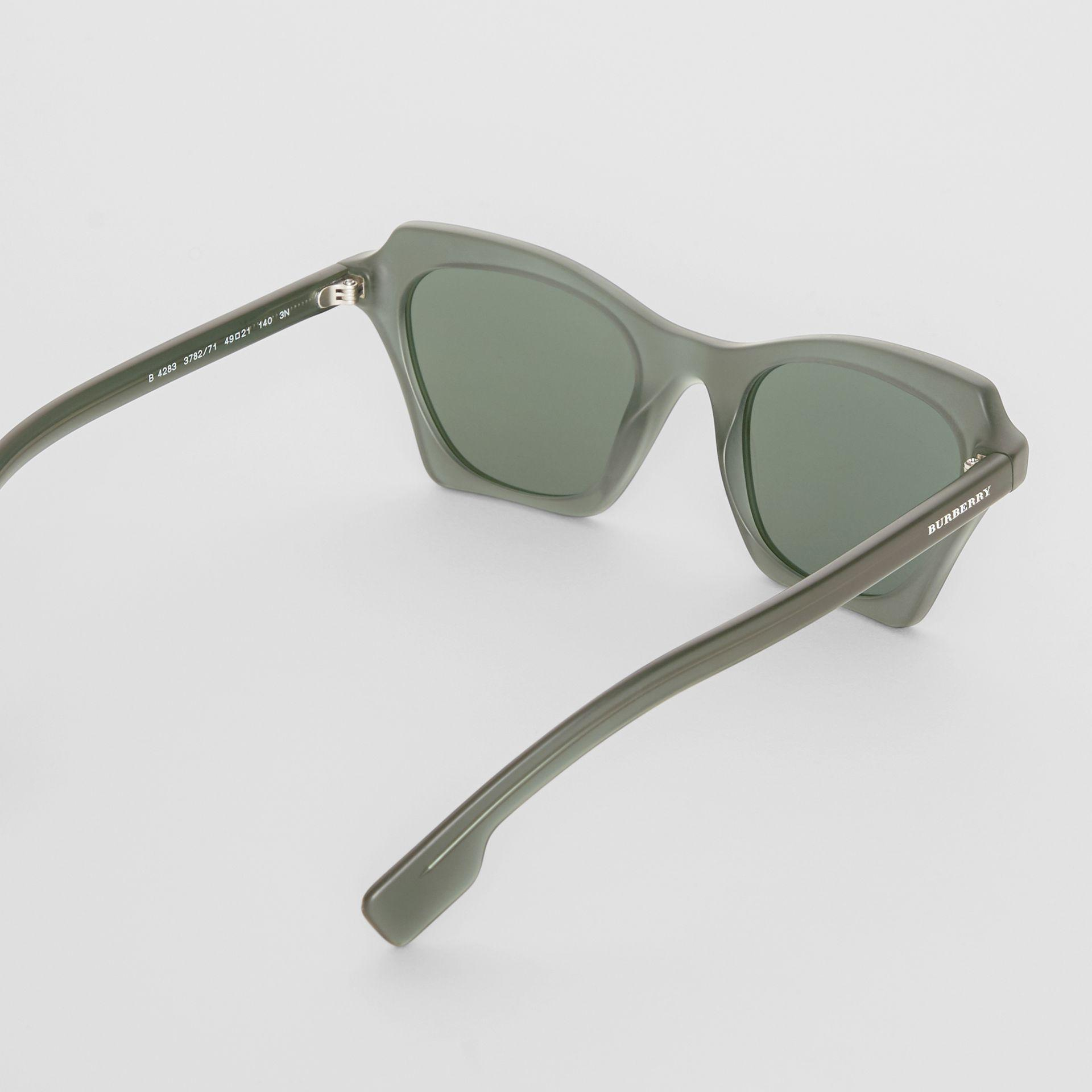 3eb9ea1ac319 Burberry - Green Butterfly Frame Sunglasses - Lyst. View fullscreen
