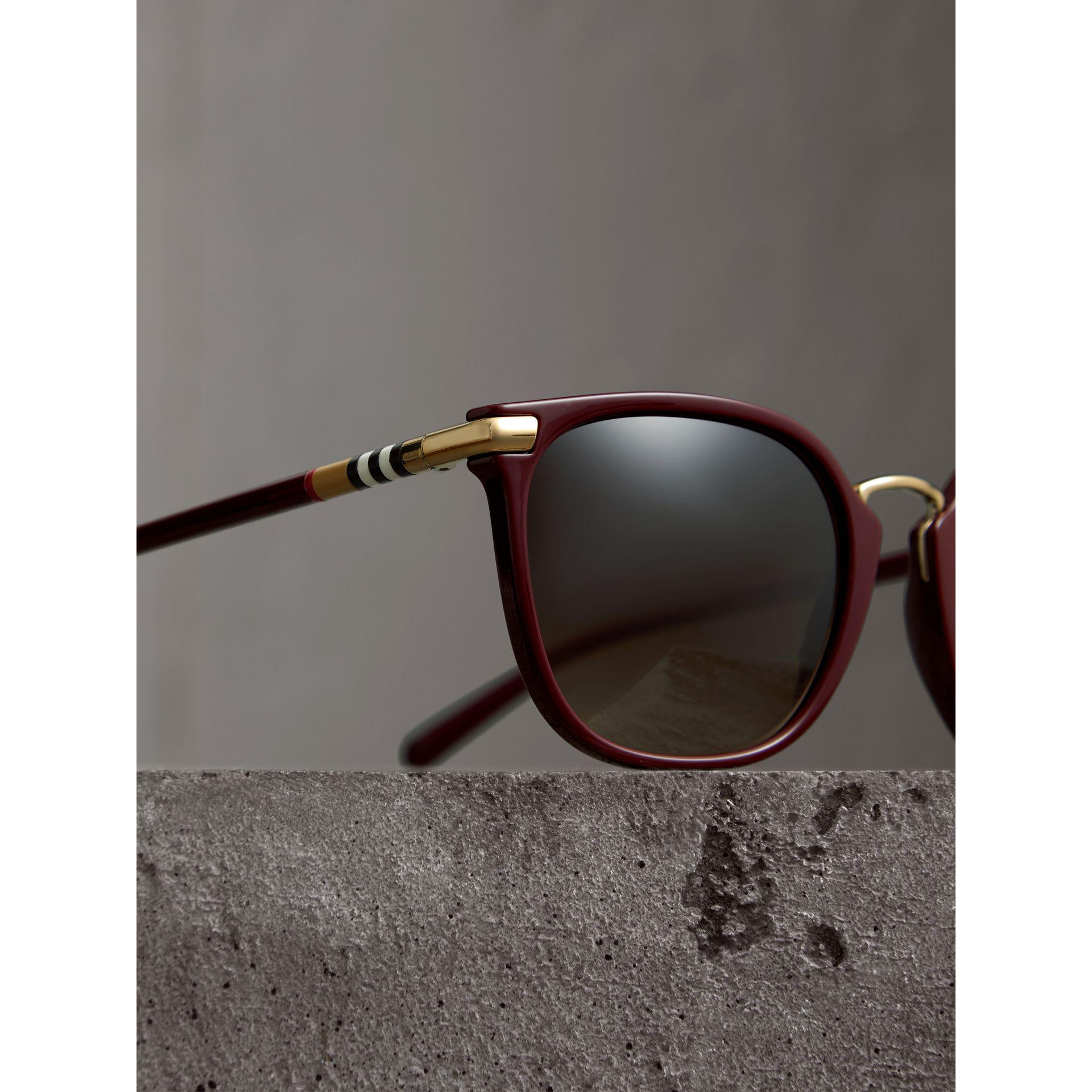 fd993895771 Lyst - Burberry Check Detail Square Frame Sunglasses