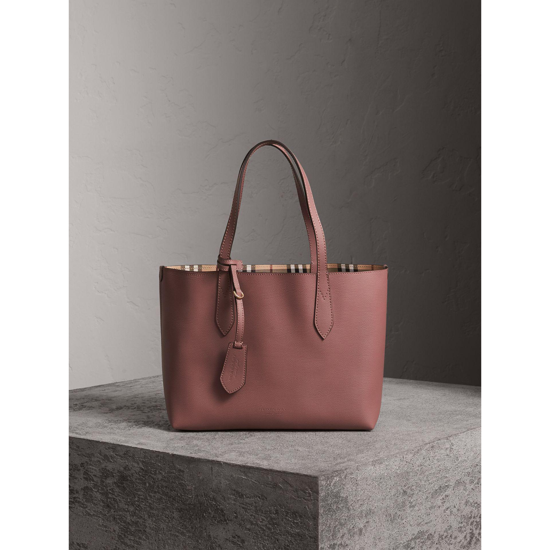 76c4960dc1dc Burberry The Small Reversible Tote In Haymarket Check And Leather ...