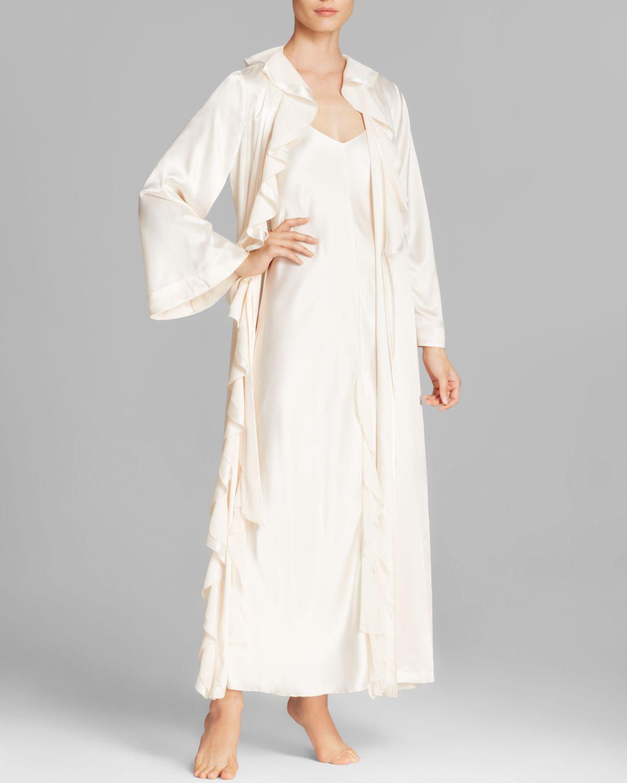 lyst oscar de la renta satin long robe in white. Black Bedroom Furniture Sets. Home Design Ideas