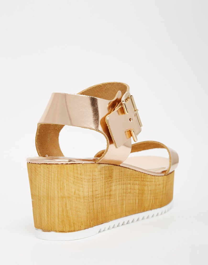 a1790ab95c4a Lyst - Steve Madden Teve Madden Nile Rose Gold Wooden Wedge Sandals ...