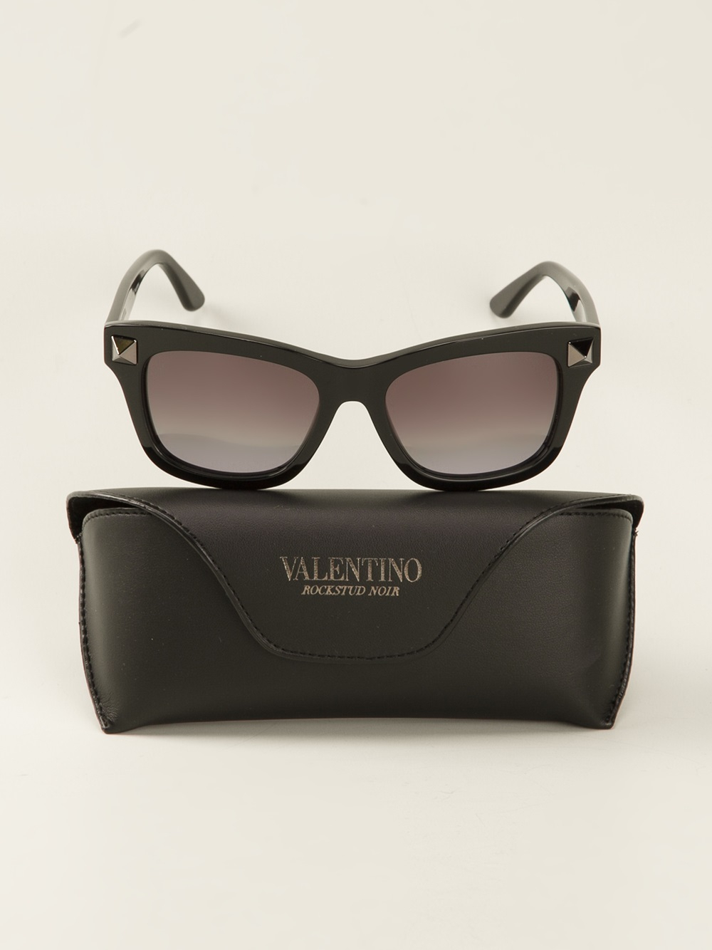 96d8d5a779cc Valentino Studded Sunglasses in Black - Lyst