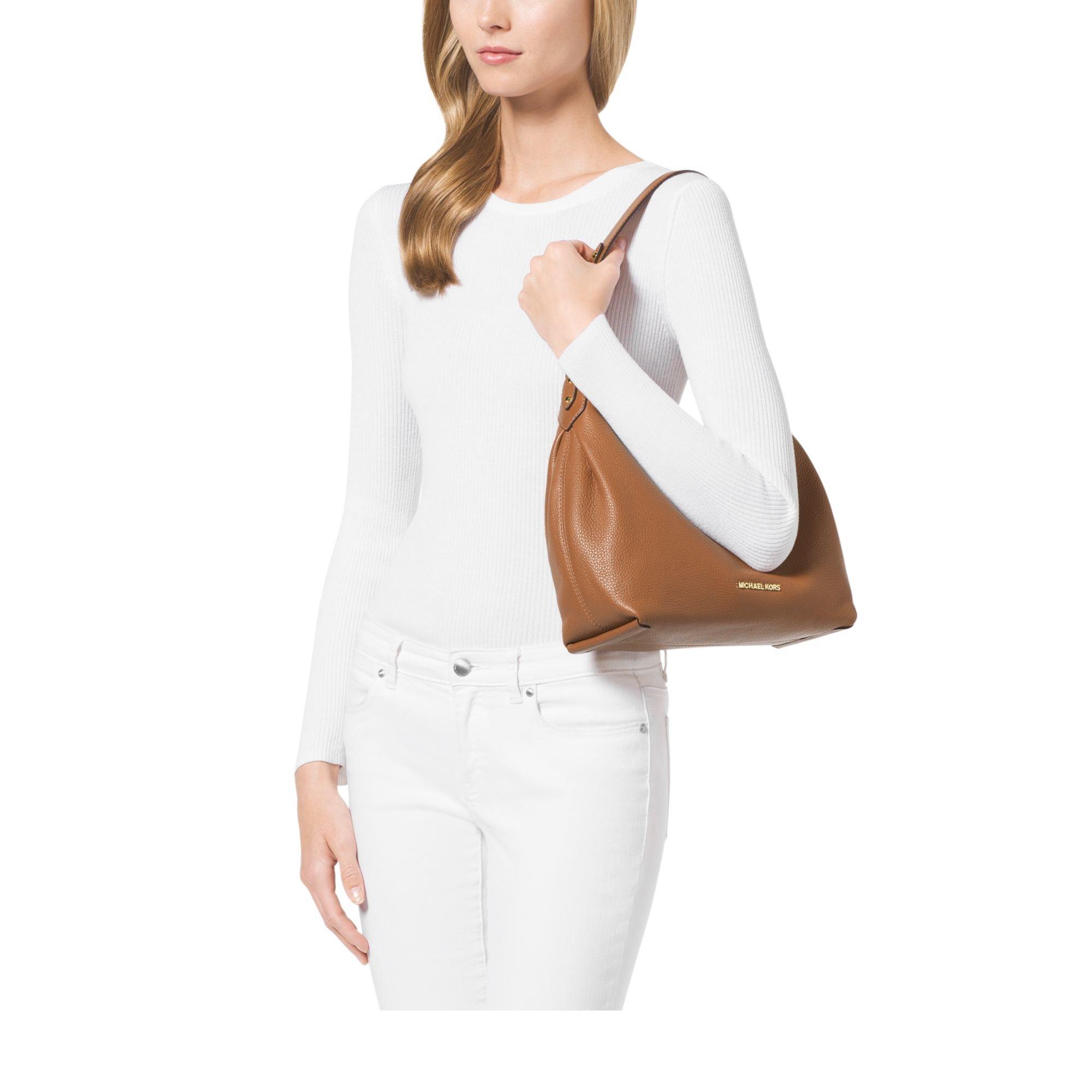 368ec6892764f Michael Kors Isabella Medium Leather Shoulder Bag in Brown - Lyst