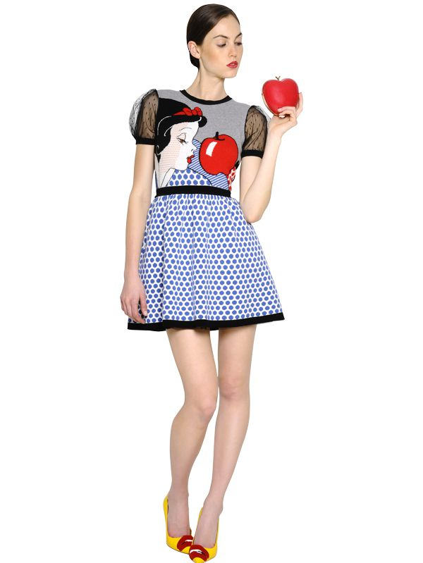 Red Valentino Brushed Leather Apple Shaped Clutch In Red