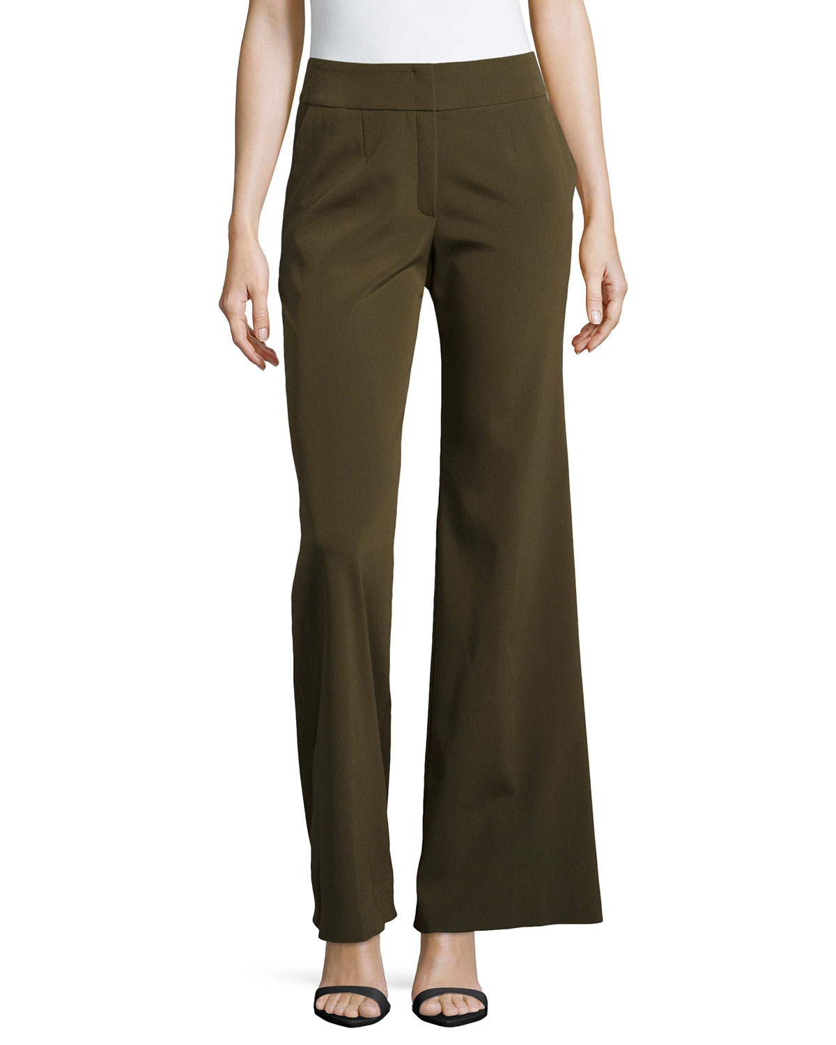 Explore wide-leg dress pants, straight-leg pants, pinstripes and more. Skinny cropped pants offer classic style, perfect with ballet flats or pumps. Cozy women's sweatpants and lounge pants can help you relax at home.
