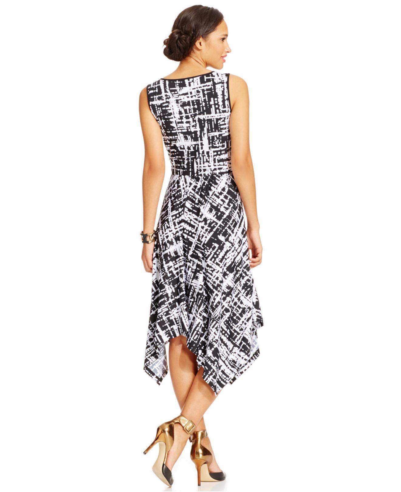 Eci Graphic Print Handkerchief Hem Dress In White Black
