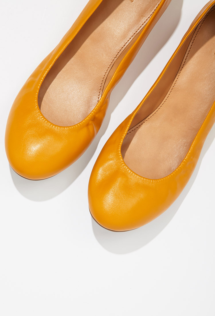 371acbbf3b1fb Forever 21 Classic Ballet Flats in Orange - Lyst