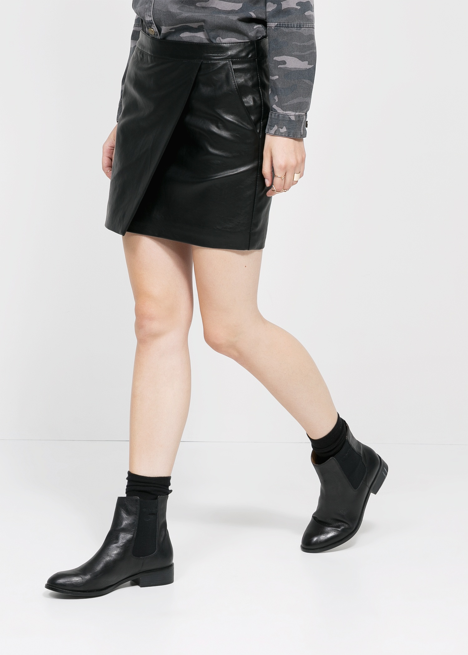 Mango Faux-Leather Wrap Skirt in Black | Lyst