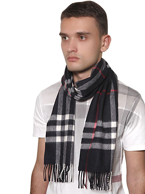 burberry check pattern scarf in blue for