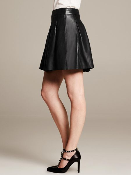 Banana Republic Pleated Leather Skirt in Black (Br black) | Lyst