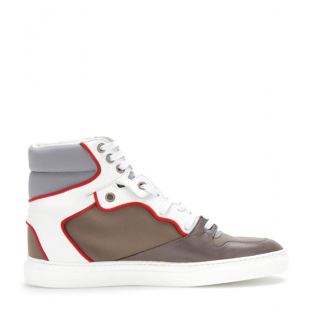 Balenciaga Hightop Sneakers in Black (White)