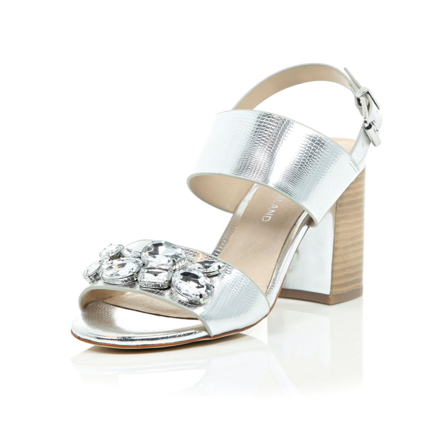 Shop Women's & Ladies Fashion Shoes at Chinese Laundry. Find boots, booties, heels, sandals, wedges, & flats. Our styles are fun, modern, feminine & free.