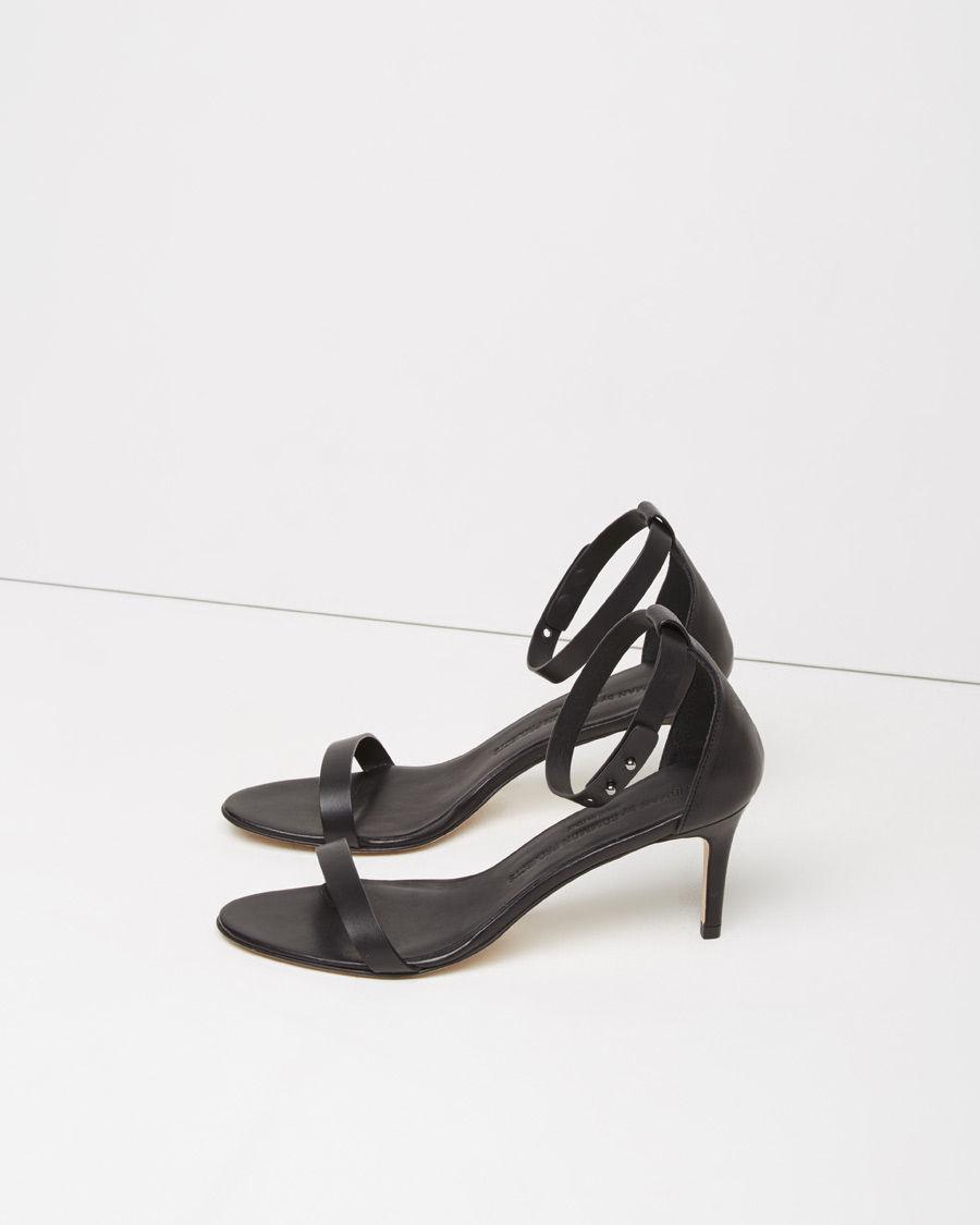 Black leather sandals low heel - Gallery