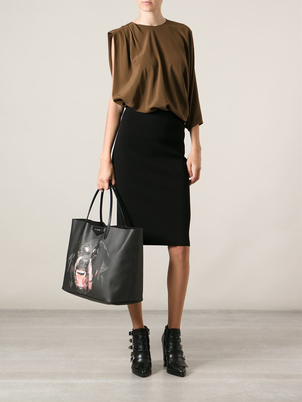 Lyst - Givenchy Large  antigona  Shopper Tote in Black 04438a64fc