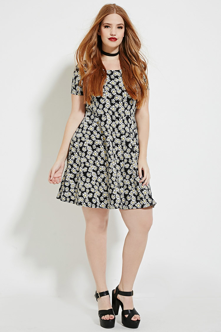 Plus Size Daisy Print Dress