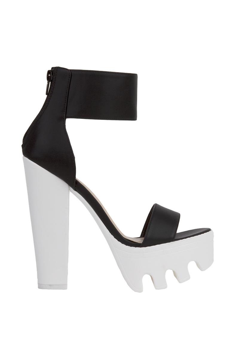Akira Lug Sole Platform Heeled Sandals In Black Black