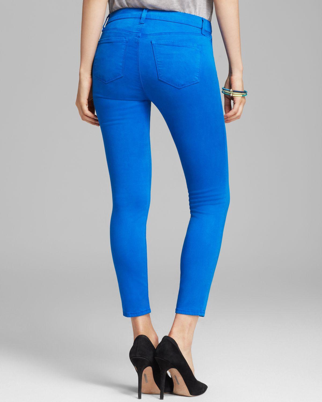 J Brand Jeans Luxe Sateen 835 Mid Rise Crop in Breakwater in Blue