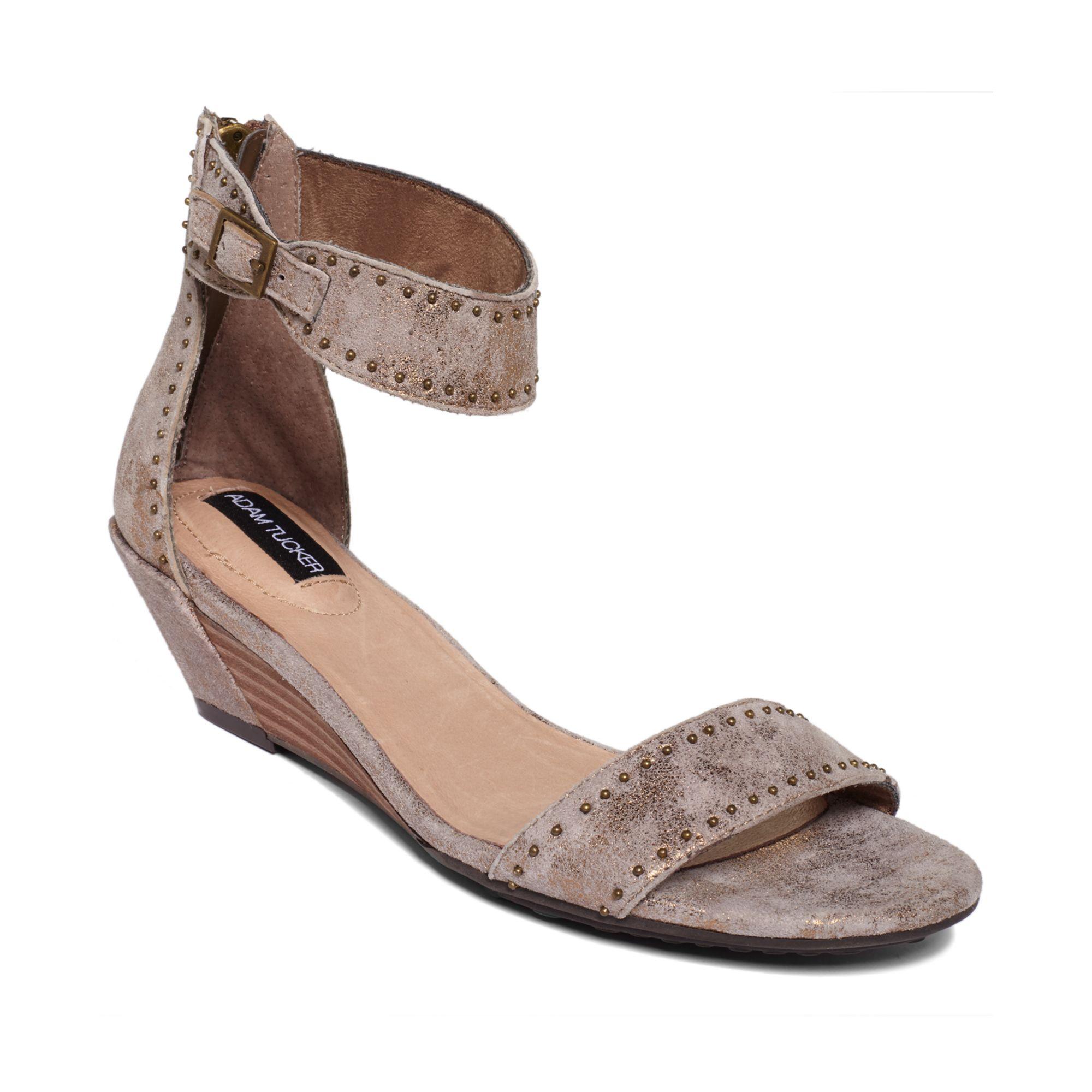 Me too Adam Tucker Lexa Wedge Sandals in Brown