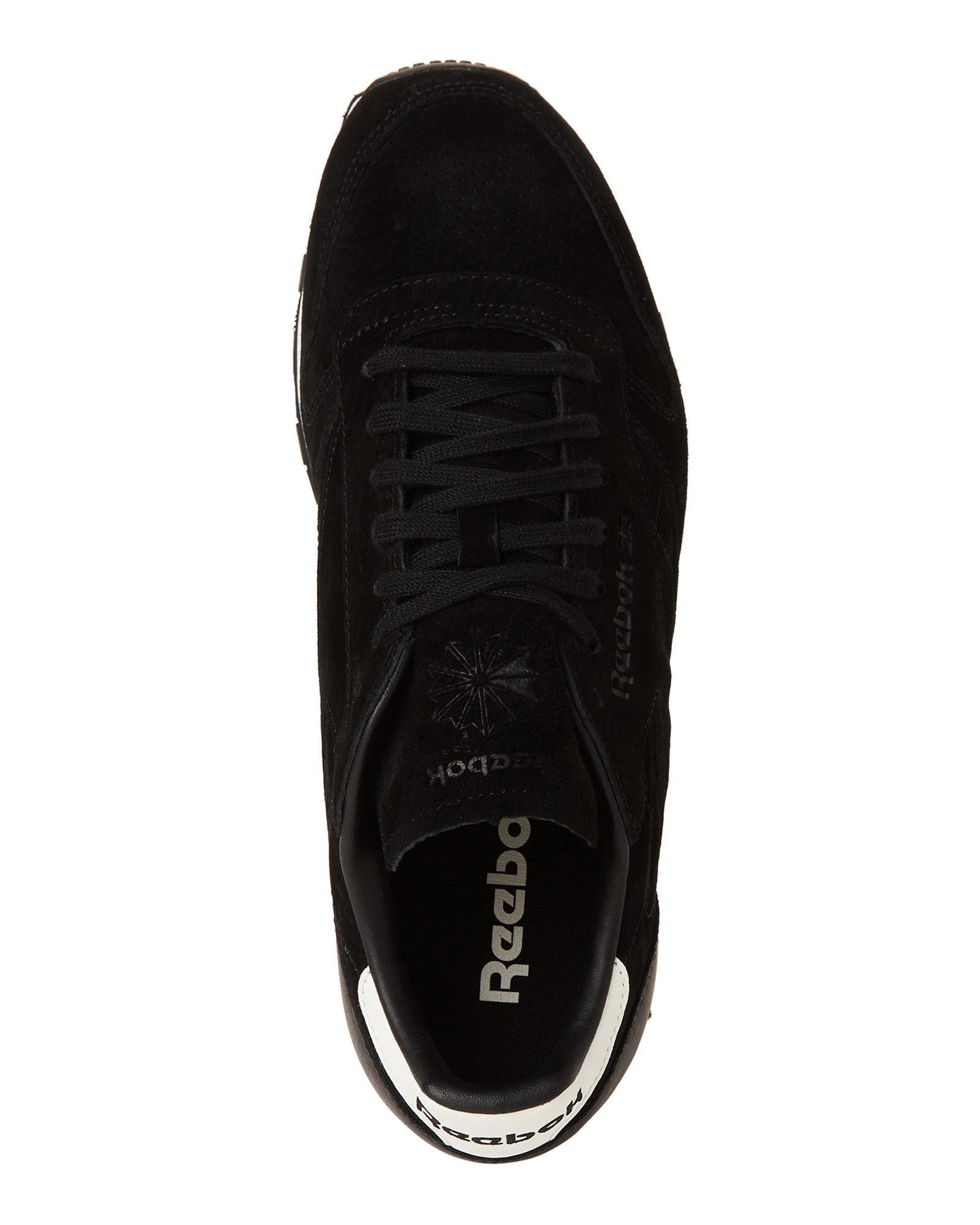 Lyst - Reebok Black   Chalk Classic Suede Low-top Sneakers in Black ... f1f1a4b8d