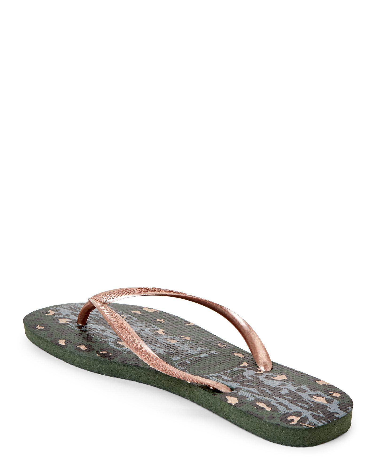 ce8190333bfe0 Lyst - Havaianas Olive   Rose Gold Slim Animals Flip Flops
