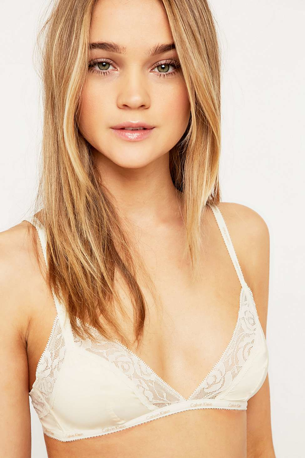 a0626c612c Urban Outfitters Calvin Klein Ivory Modern Signature Triangle Bra in ...