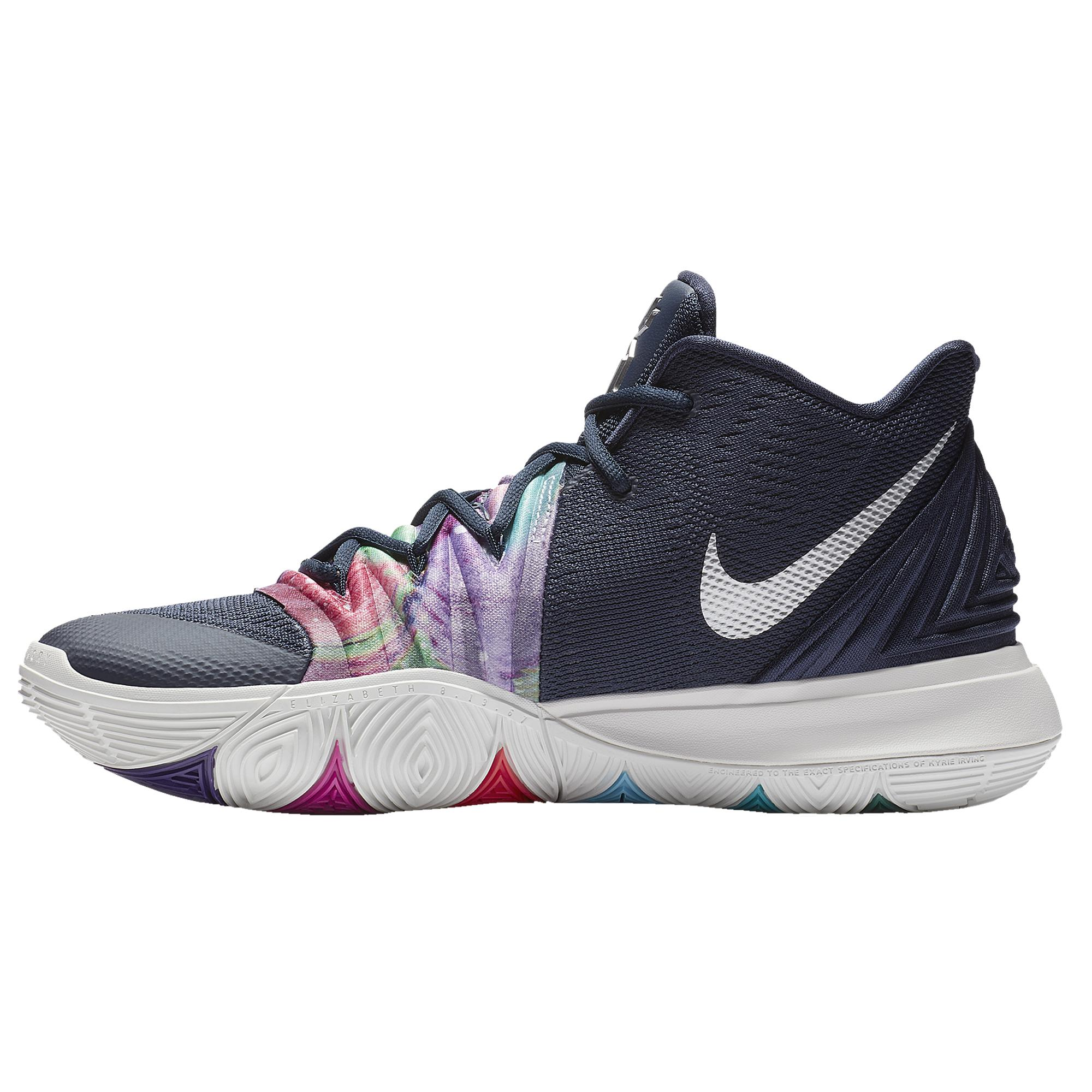 detailed look dd3a0 9bb33 Men's Blue Kyrie 5 Basketball Shoes