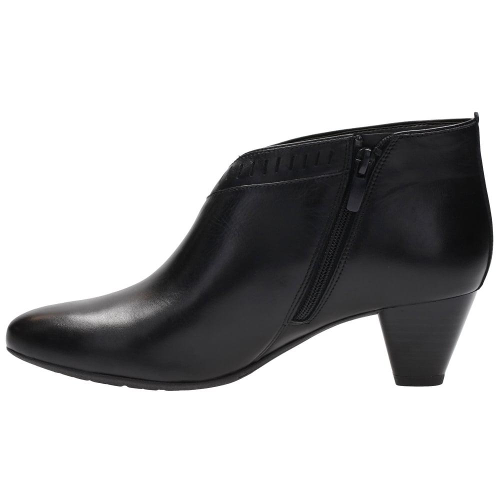 Womens Wide Fit Smart Shoes With Grip