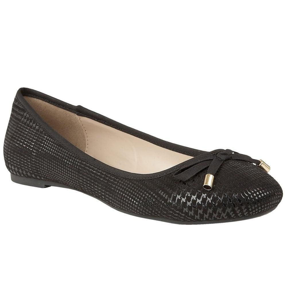 Lotus Brand Shoes